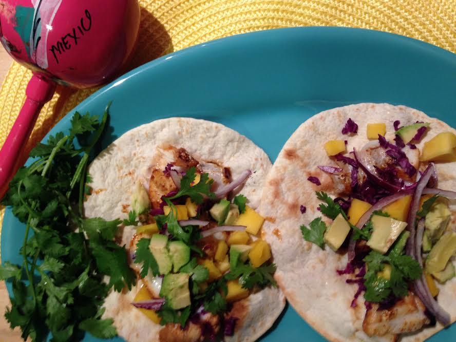 Hola happy cinco de mayo healthy fish tacos yvette for Healthy fish tacos