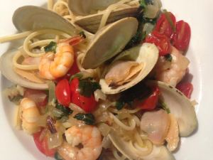 Clams, Shrimp, Spinach and Tomatoes with Linguine