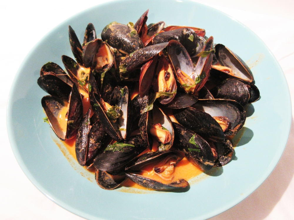 Mussels in a Red Curry Sauce photoshop
