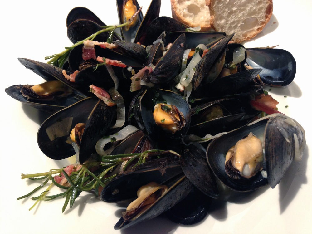 Mussels with bacon, rosemary in white wine sauce photoshop.jpg
