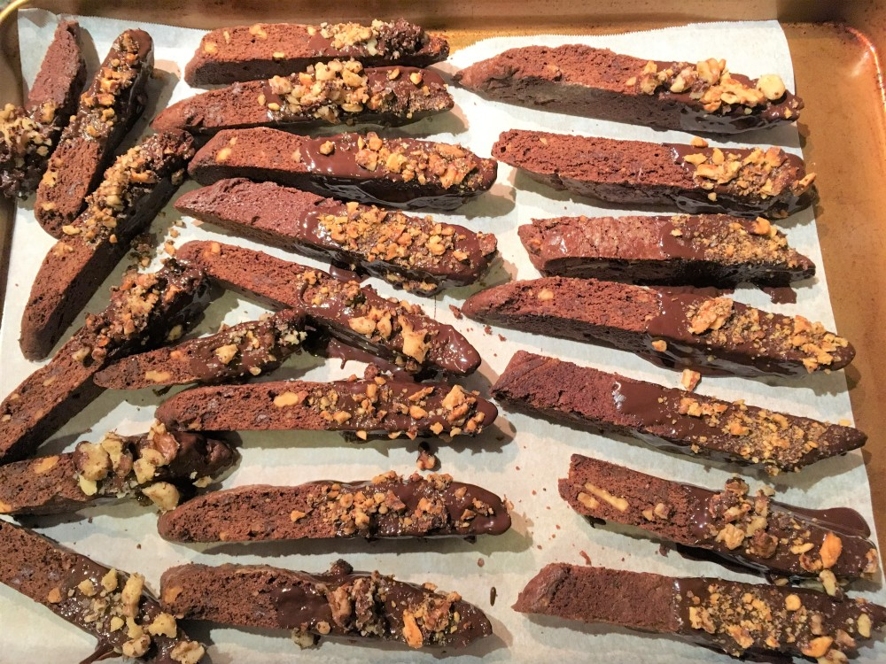 chocolate biscotti dipped in chocolate