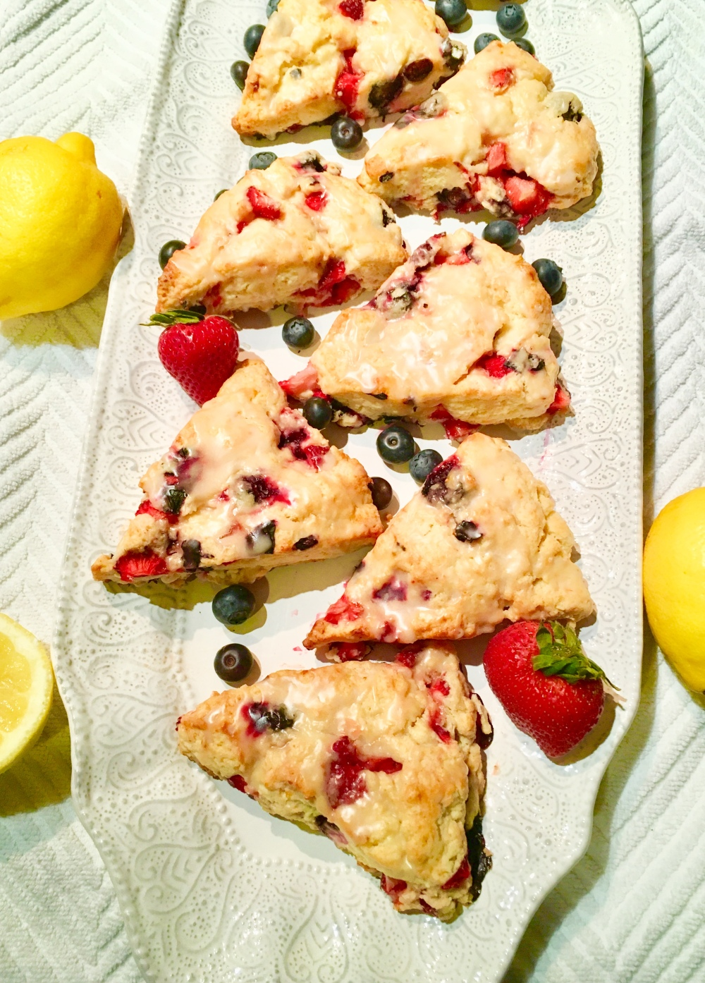 strawberry blueberry scone5